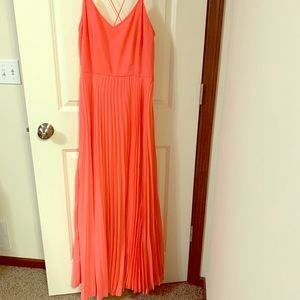 Maxi pleated peachy pink dress